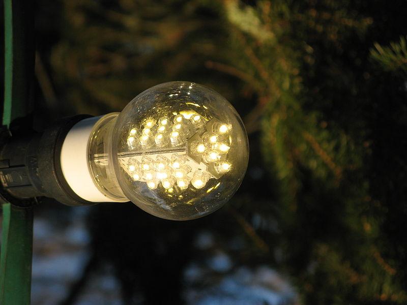 https://www.schoongenoegvankernenergie.nl/wp-content/uploads/2018/07/LED-lamp.jpg