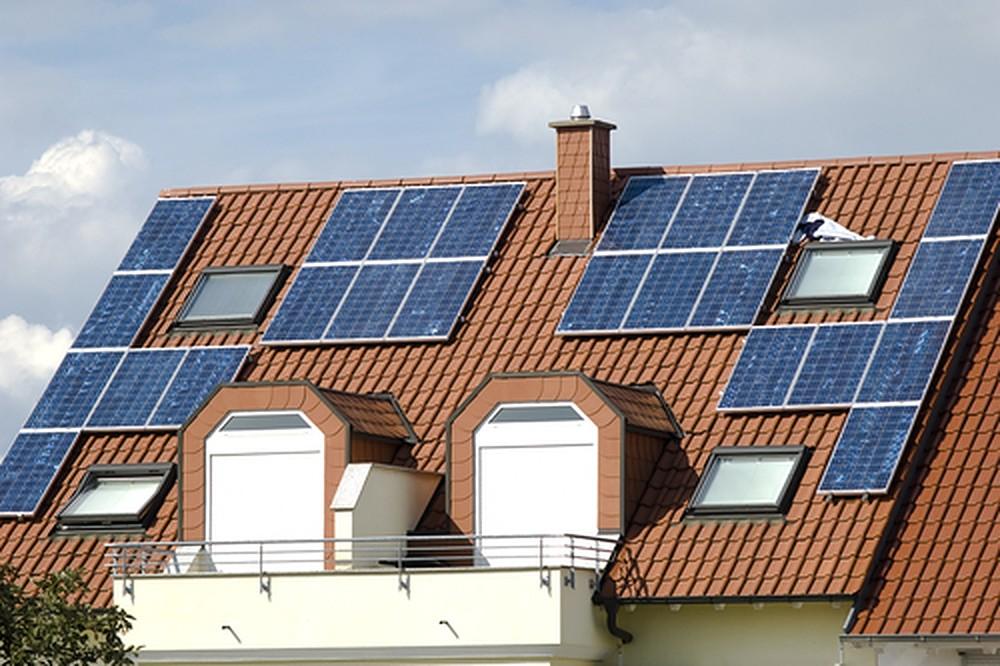 Zonnepanelen op een nieuwe dakkapel laten plaatsen